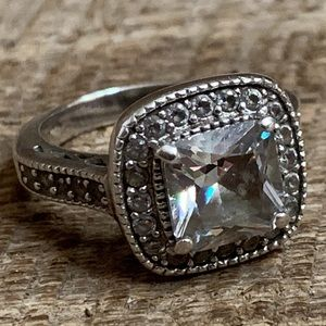 Jewelry - 925 Sterling Silver CZ Accent Ring